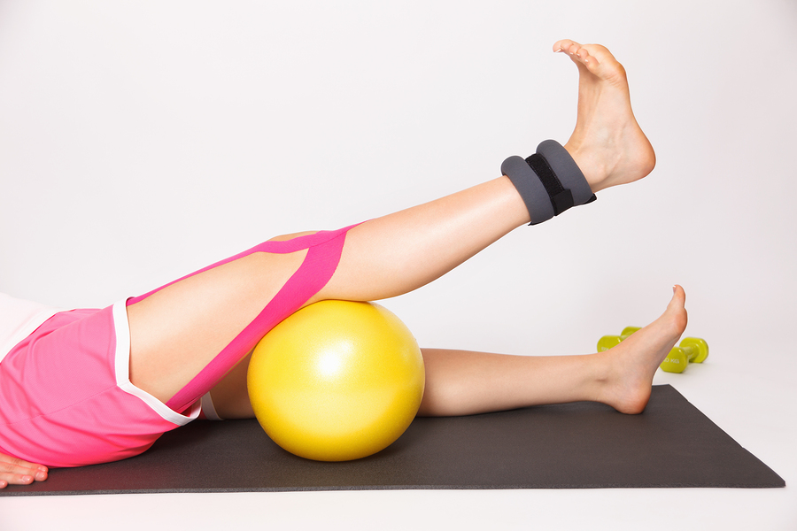 Physiotherapy For Knee Injury With Kinesiology Tape